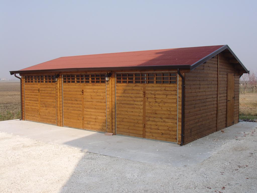 Garage in legno box auto in legno a rovigo verona for Costruendo un garage per 3 auto