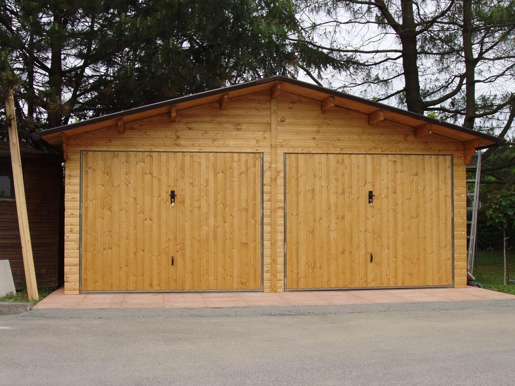 Garage in legno box auto in legno a rovigo verona for 2 aggiunta di box auto