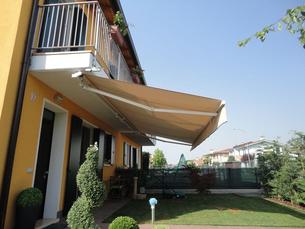 Tende da sole, cappottine, pergotende per esterno a Rovigo, Verona, Vicenza, Mantova e Ferrara